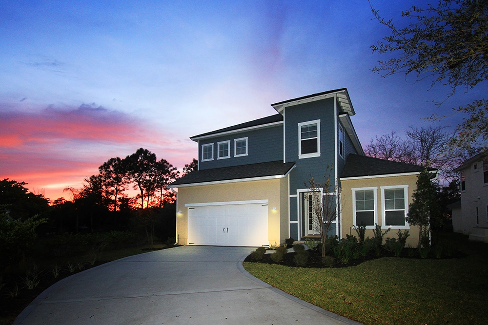 Starr Custom Homes, custom home builders in Jacksonville FL, will help you design your custom luxury home on the perfect home site.